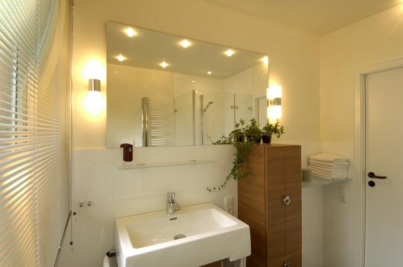 badplanung aachen badrenovierung aachen baddesign aachen. Black Bedroom Furniture Sets. Home Design Ideas